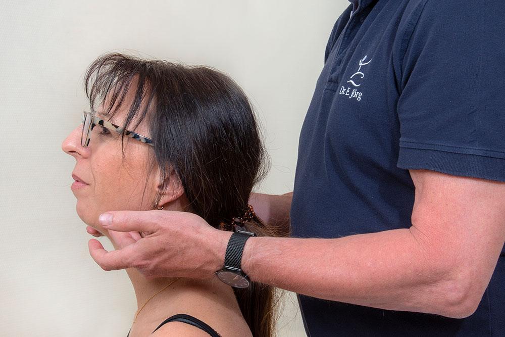 Orthopädie Wernau - Jörg / Ebel - Leistungen - Myoreflextherapie - Druckpunktstimulationen im Gesicht